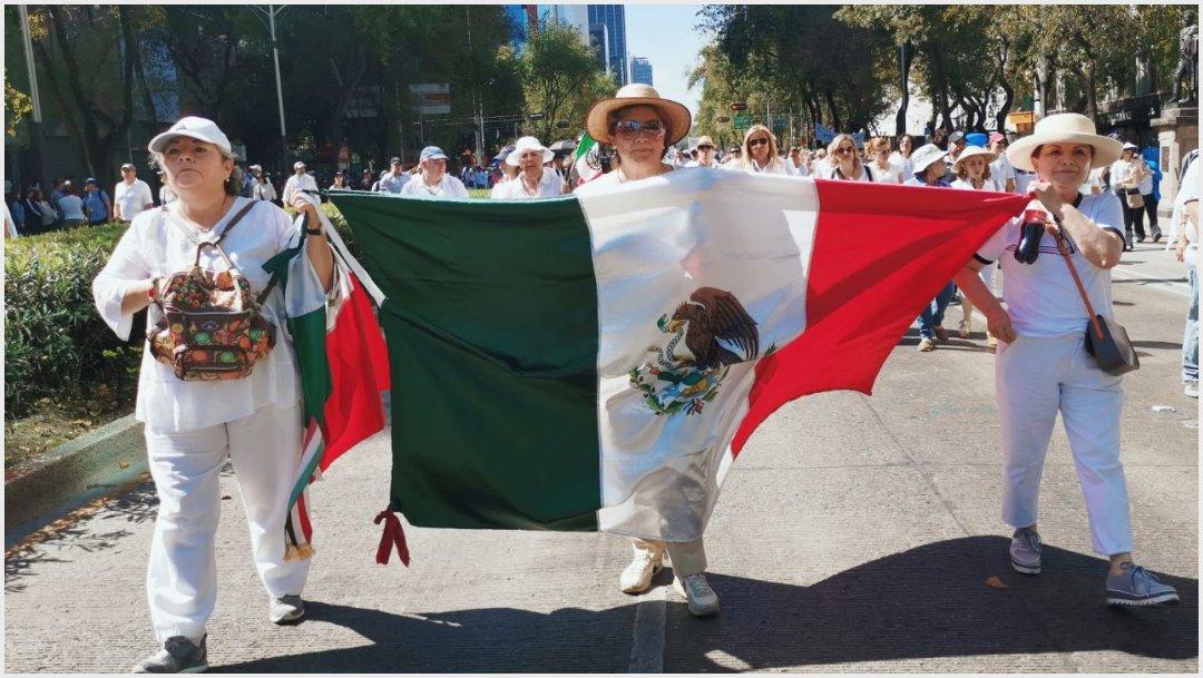 Foto: Ciudadanos protestaron en la calle contra el gobierno de López Obrador, 1 de diciembre de 2019 (Noticieros Televisa)