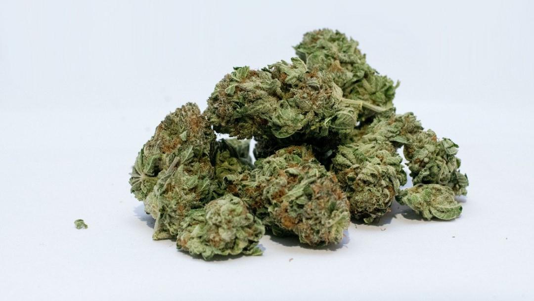 Marihuana hace que hombres produzcan semen de 'mejor calidad': estudio