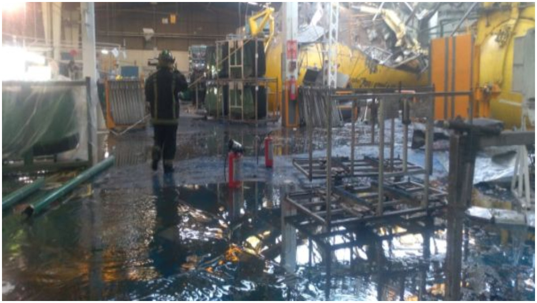 Foto: Una persona murió tras registrarse explosión en fábrica de Ecatepec, 7 de diciembre de 2019 (Twitter)