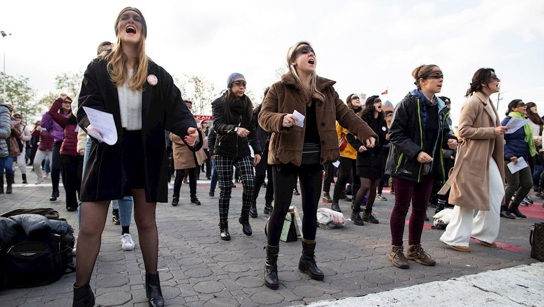 fOTO: La Policía turca dispersa una manifestación de mujeres en Estambul, 8 DICIEMBRE 2019