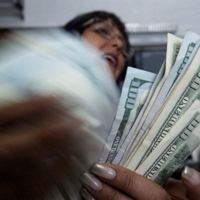 Quién es quién en envío de remesas; madres y esposas, mayores receptoras de dinero