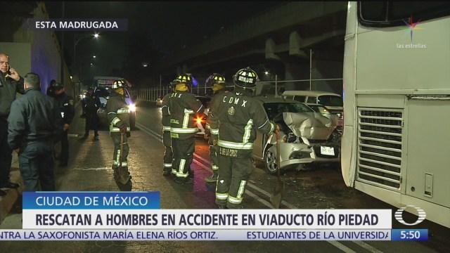 rescatan dos hombres en accidente en viaducto rio piedad