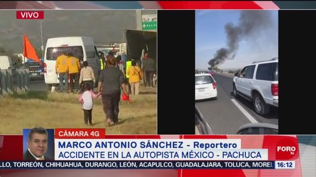 Tráiler Choca Camioneta Con Peregrinos México-Pachuca