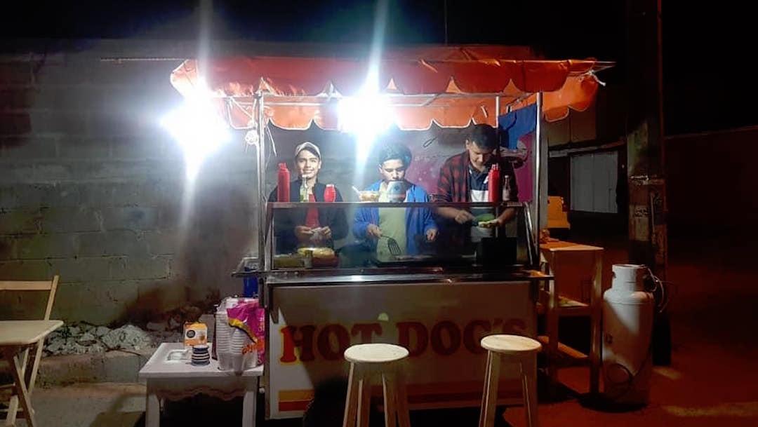 Becas-AMLO-negocio-comida-hot-dogs-Tuxtla