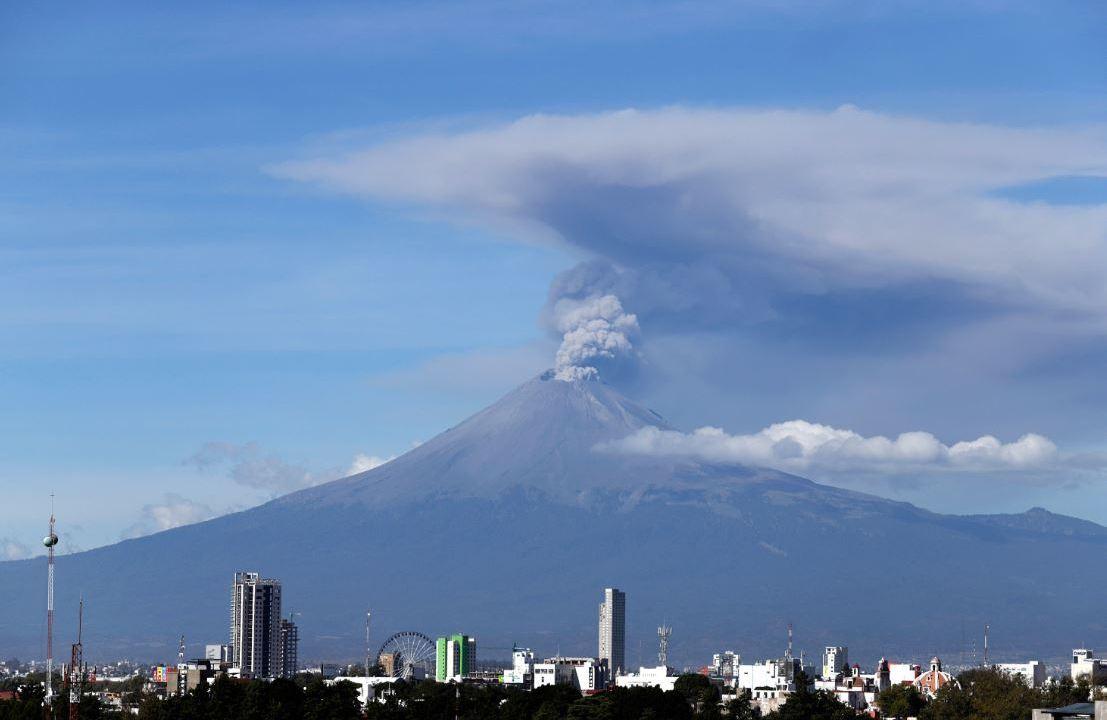 Volcán Popocatépetl registra 142 exhalaciones en últimas 24 horas.