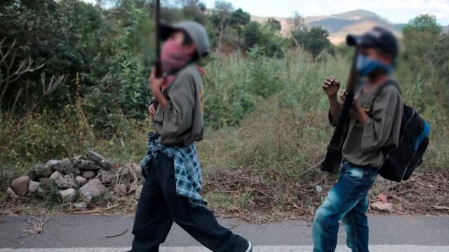 Foto: Presentan a niños como policías comunitarios en Guerrero, 22 de enero de 2020, (EFE)