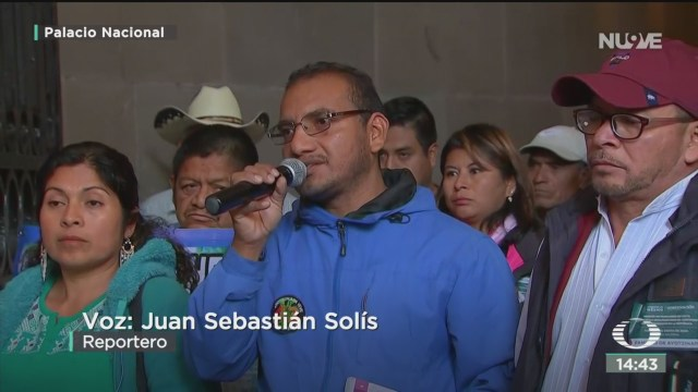 FOTO: amlo se reune con padres de los 43 normalistas desaparecidos