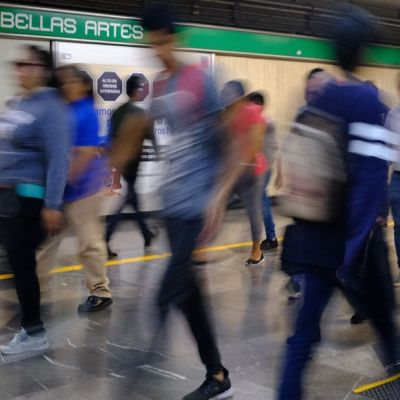 Estudiante del IPN denuncia nuevo modus operandi de robo afuera de Metro Tacuba