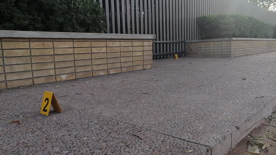 Foto: Aspectos de la balacera suscita al interior del Colegio Cervantes, 10 enero 2019
