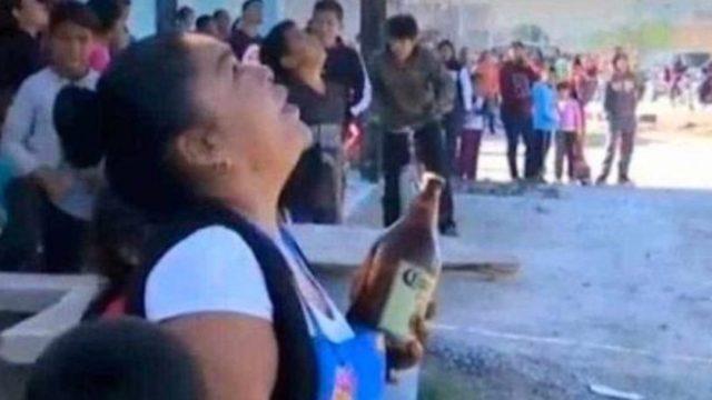 Foto Mujer ofrece una caguama a sujeto que intenta suicidarse 22 enero 2020