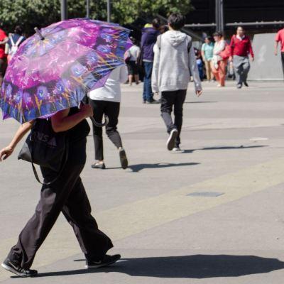 Foto: En Tlaxcala, las fuertes lluvias inundaron importantes avenidas del estado; en Campeche, autoridades reportaron hasta 35 grados a la sombra. En el Norte del país, algunos estados registran temperaturas bajo cero
