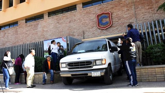 fOTO: Servicios Forenses acuden al Colegio Cervantes, donde se presentó una balacera en la ciudad de Torreón, 11 enero 2019