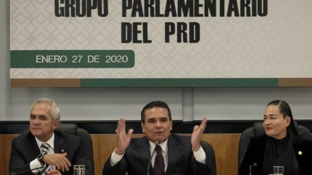 Critican a Insabi y políticas de AMLO en plenaria del PRD