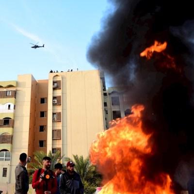 Reportan explosiones en zona donde se ubica la Embajada de EE.UU. en Bagdad