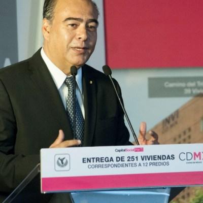 Empresarios constructores denunciaron a Raymundo Collins por corrupción en el INVI