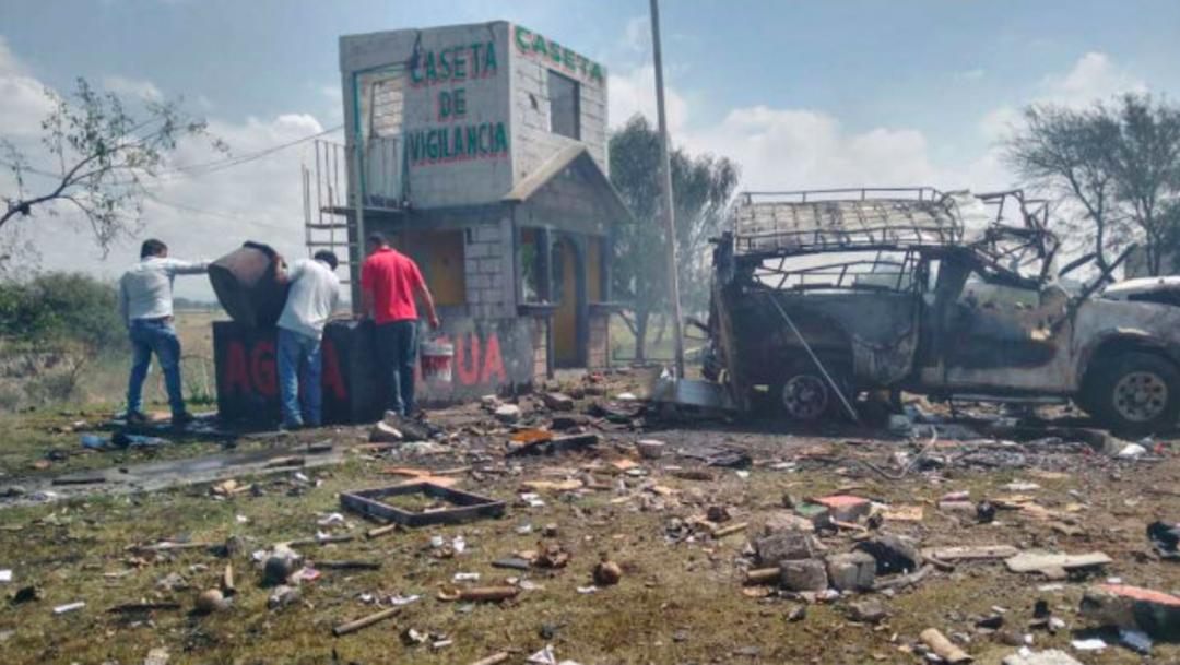 Foto: Entregan cuerpos de cinco de los 10 músicos asesinados en Guerrero, 19 de enero de 2020, (Twitter @FloresAnastaci1)