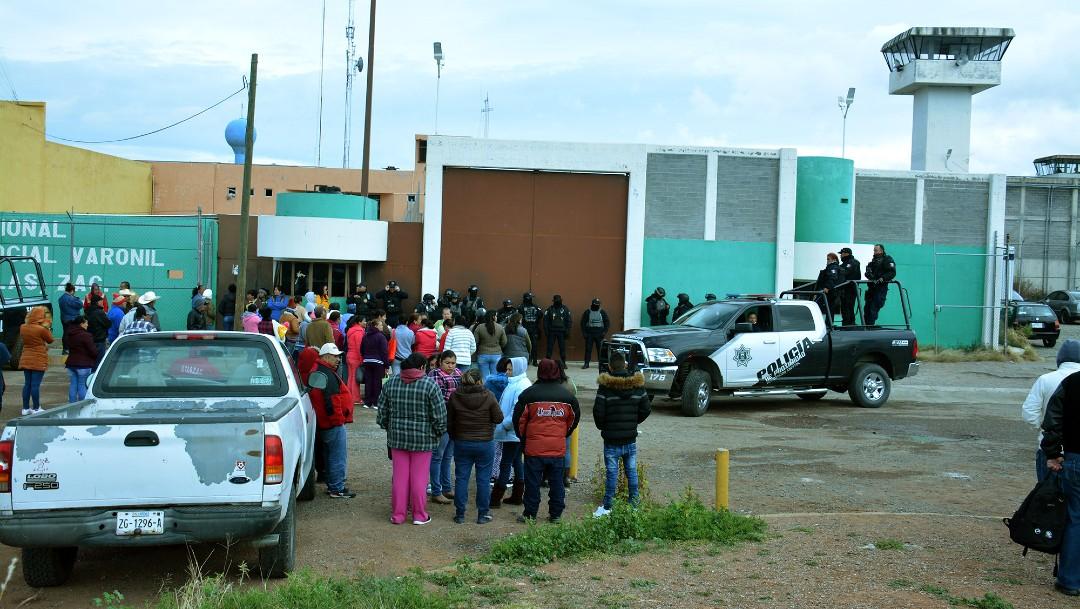 Foto: Familiares de reos de Cieneguillas, Zacatecas, ingresan al penal tras riñas