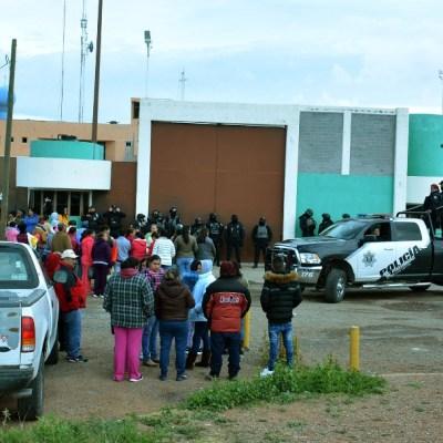 Familiares de reos de Cieneguillas, Zacatecas, ingresan al penal tras riñas