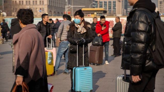 Foto: Turistas chinos usan cubre boca. AP