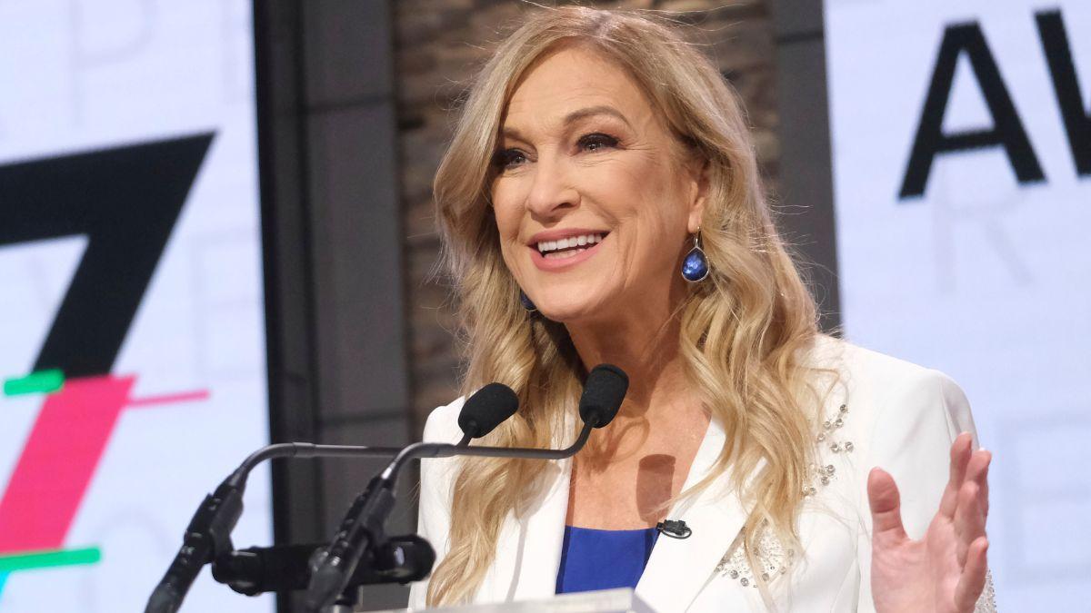 Foto: Deborah Dugan, expresidenta de los Premios Grammy. AP