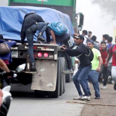 Nueva caravana de migrantes hondureños sale hacia EEUU