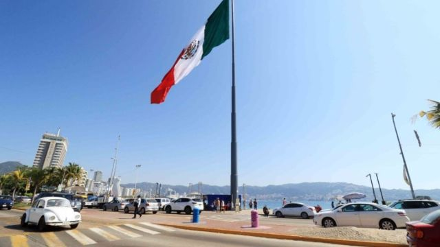 Despedirán a más de 200 funcionarios de Acapulco