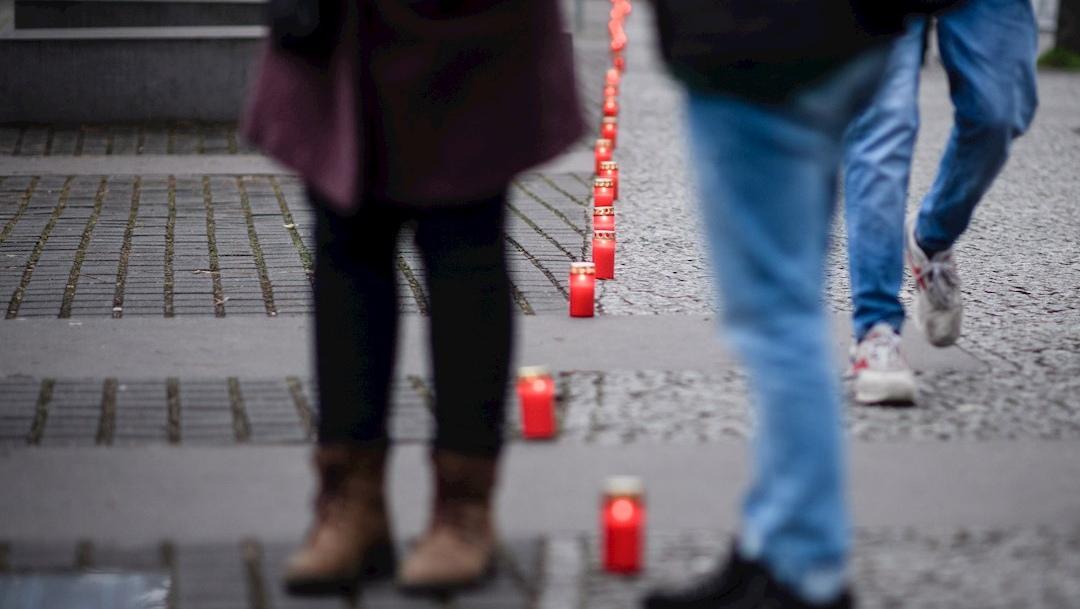 Foto: Encendieron 75 velas en el Monumento a las víctimas del Holocausto levantado en Berlín.