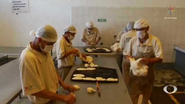 Internos del Reclusorio Norte CDMX buscan elaborar 2 mil roscas de reyes. (Noticieros Televisa)