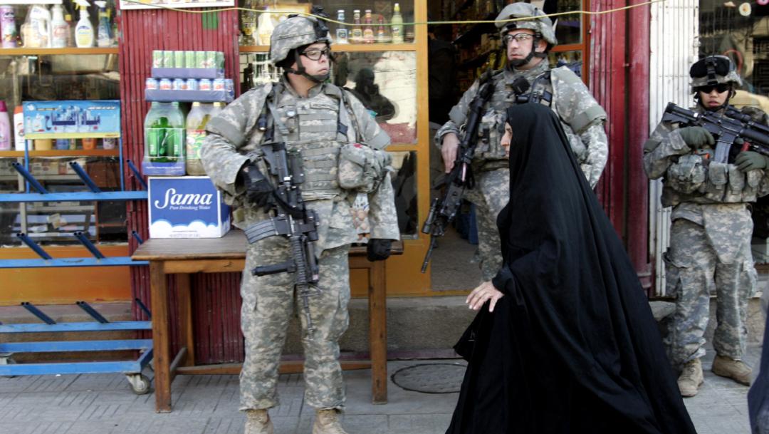 Foto: Soldados del Ejército de Estados Unidos patrullan el este de Bagdad, Irak.