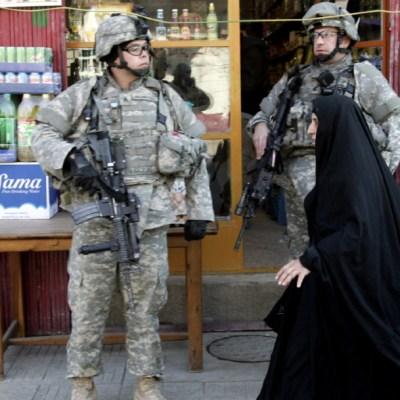 Parlamento de Irak aprueba moción para expulsar a tropas de EEUU