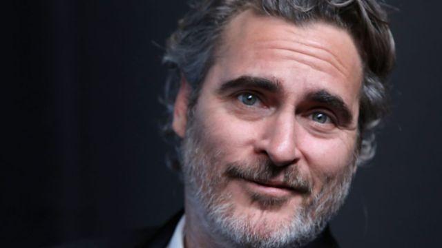 Joaquin Phoenix vista matadero de cerdos