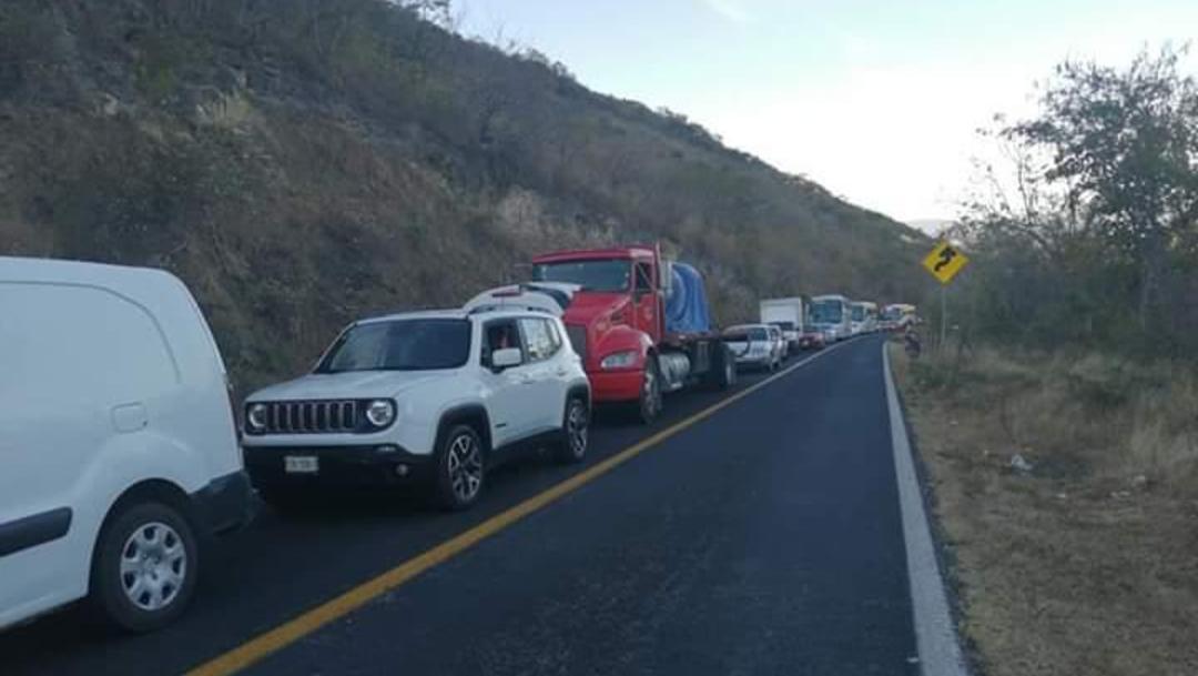 FOTO: Liberan carretera Iguala-Altamirano en Guerrero, el 12 de enero de 2020