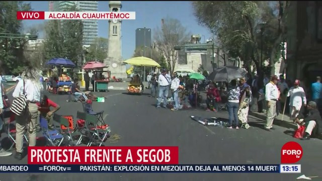 FOTO: manifestantes protestan frente a segob cdmx