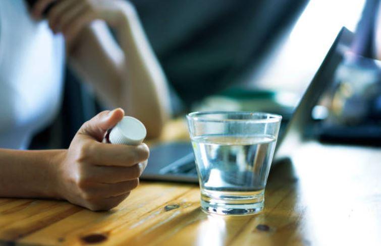 Medicamentos para presión y antidepresivos, causan ojo seco