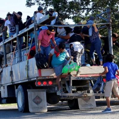 Caravanas de migrantes avanzan a la frontera sur de México