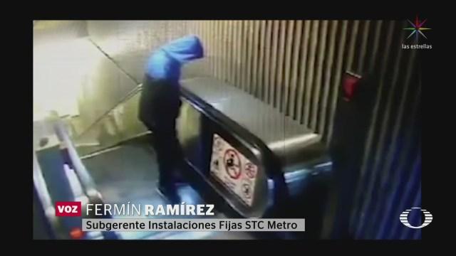 Foto: Orina Usuarios Metro Cdmx Dañan Escaleras Eléctricas 14 Enero 2020