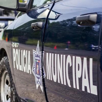Grupo de taxistas golpean y abusan de pareja gay en Oaxaca
