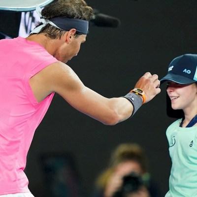 Rafael Nadal se disculpa con la jovencita que fue golpeada por la pelota, 23 enero 2020
