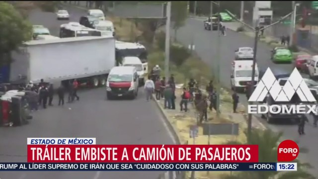FOTO: 19 enero 2020, trailer embiste camioneta de pasajeros en cuatitlan izcalli