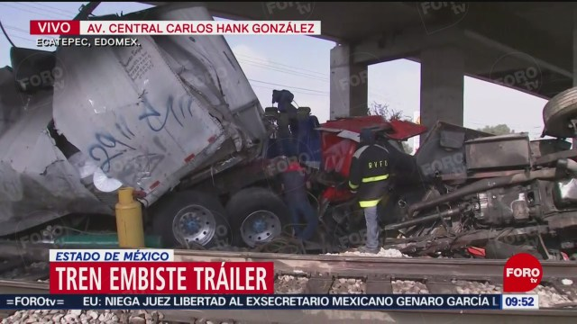 FOTO: tren embiste trailer en ecatepec estado de mexico , 4 de enero del 2020
