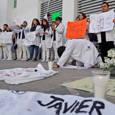 Estudiantes asesinados en Puebla soñaban con ser los mejores médicos; padres exigen justicia