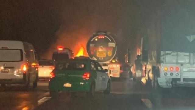 Foto: Accidente provoca incendio en autopista México-Puebla, 13 febrero 2020