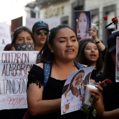 AMLO: Ni descuentos ni castigos a mujeres que se sumen a paro nacional