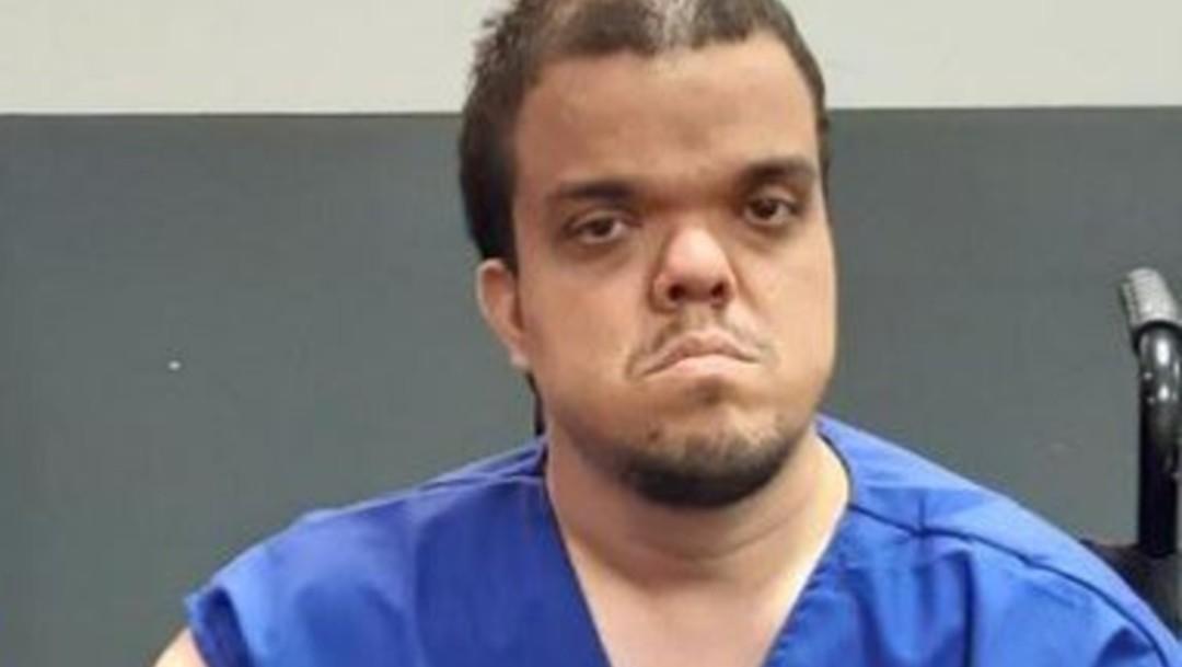 Foto: Adrián José Guerrero Echeverri, de 38 años, quien padece enanismo, asesinó a su padres