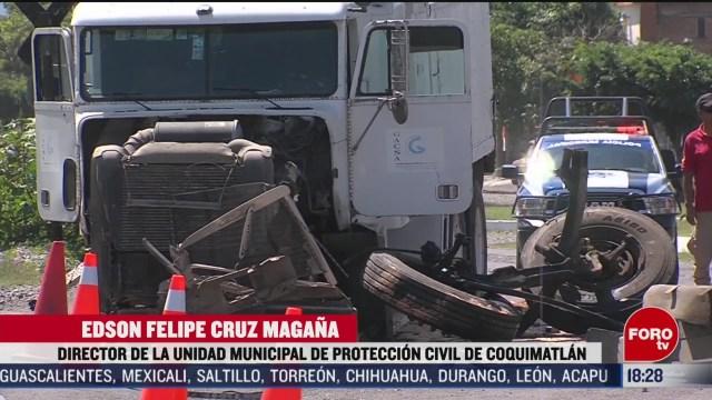 FOTO: camion de carga choca contra tren en colima