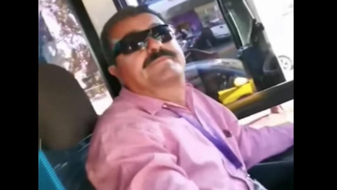 Foto 'No pueden irse besando', dice chofer a pareja gay y los baja del autobús 13 febrero 2020