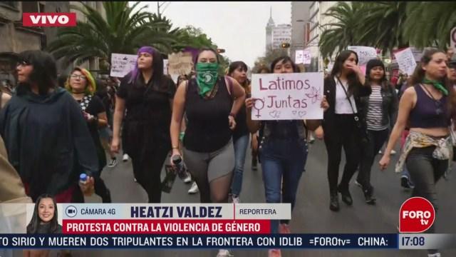 FOTO: contingentes feministas avanzan hacia paseo de la reforma