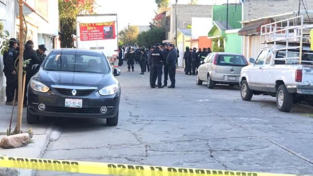 FOTO Encuentran 3 cuerpos en Ecatepec, dos son mujeres (Noticieros Televisa)