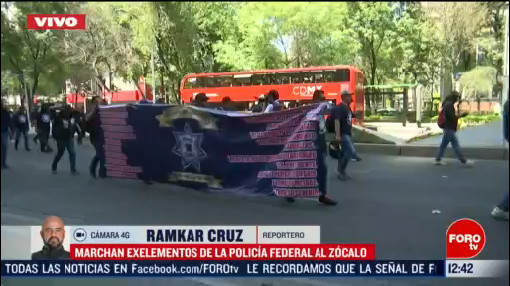 exintegrantes de la policia federal marchan en reforma hacia el zocalo cdmx