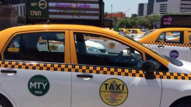 """Foto: Programa """"Taxi Seguro"""" en Monterrey, Nuevo León."""